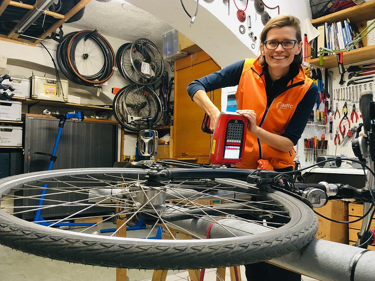 Adfc Munchen Fahrrader Codieren Lassen Zum Schutz Vor Diebstahl